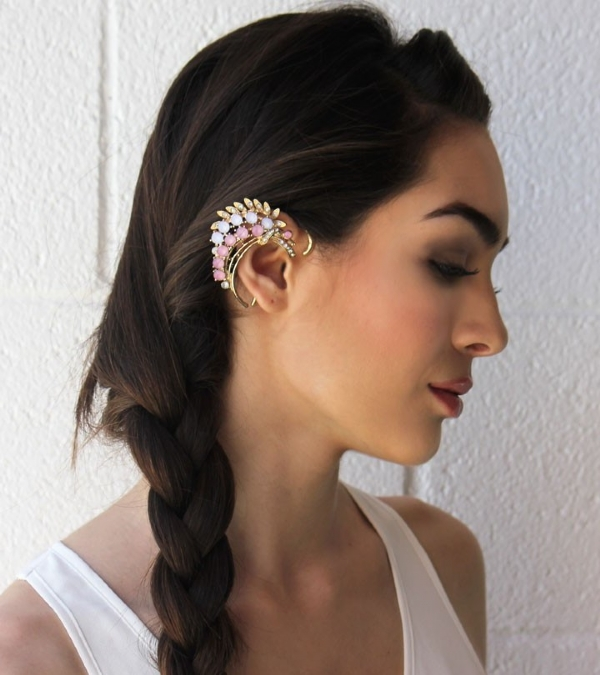 Küpeye alternatif şıklık: Ear Cuff